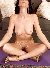 Flexible MILF does yoga