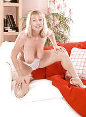 Jane gets nude for the camera