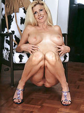 Sugar spreads her sweet pussy