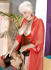 Platinum grannie gives a nasty blowjob