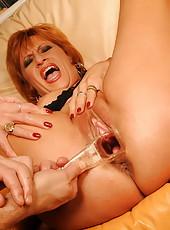 Mature mom gets boned deep by her favourite dildos