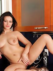 Tempting Anilos chef Angelica Raven masturbates in her kitchen