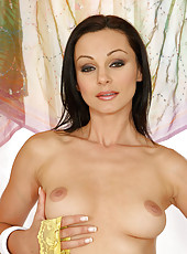 Check this photos Cameron and her boobs with big nipples spreading her matured sexy body