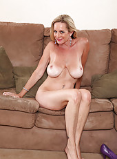Blonde Anilos Cassy Torri pleasures her tight milf pussy with a vibrator