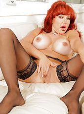 Anilos Vanessa Bella flaunts her curvaceous body as she spreads her mature pussy