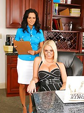 Avva and her boss are gettin more comfortable here in these amazing muff diving pics