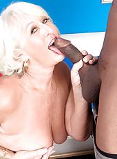 Jeannie Lous Big Black Cock Creampie