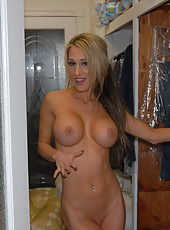 Check out my hot amateur pics of my wife taking a hot bubble bath