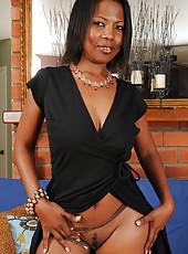 Elegant black beauty Sapphire from AllOver30 posing naked for you