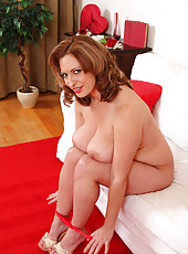 Busty and elegant 30 year old MILF Salinas from AllOver30 spreads