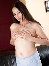 36 year old Dawn slips out of her clothes and shows off her hairy pussy
