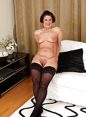 61 year old and all natural Rita displaying some mature furry pussy