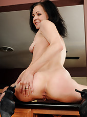 New mature model Claudia K from All Over 30 heats it up in here