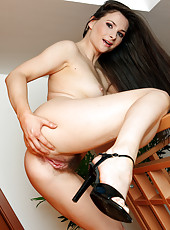 Tall MILF Jessica displays a hot and hairy natural pussy for you