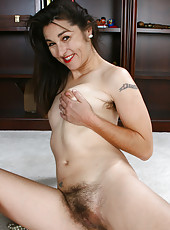 Scary hairy Shelby from AllOver30.com show off her pits and puss