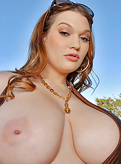 Super hot sexy big boob babe gets her 46ff tits a fucking in these hot pics