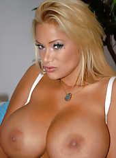 Mega hot blonde bombdshell with extreme tits fucks herself cum watch free movies and pics from extremenaturals