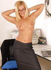 Janet M spreads her mature legs giving a great upskirt shot