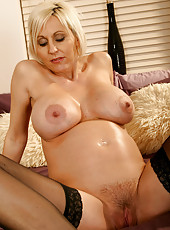 Pregnant MILF Jan from AllOver30 shows off her ripe melons