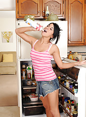 Exotic housewife Sofia Bella from AllOver30 has a lot of fun with food