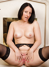 Sexy 39 year old brunette Amber L from AllOver30 shaking her ass