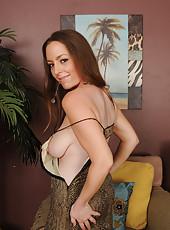 34 year old  elegant MILF Tamara Fox slides out of her evening dress