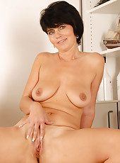 Hot brunette housewife Eve showing off her tight and mature body