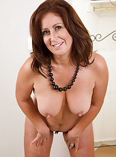 Elegant and horny 47 year olf Carol Foxwell gives us all a good peek