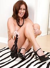 Elegant and horny 47 year olf Carol Foxwell gives us all a good peek