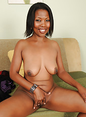 41 year old ebony MILF Sapphire from AllOver30 getting busy with it