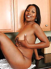 Ebony MILF Sapphire from AllOver30 spreading her 41 year old pussy