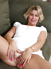 For an older blonde Anne has got the perkiest mature tits ever