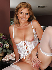 48 year old Amanda Jean strips off her lingerie to show you mature pink