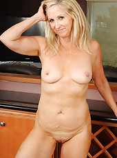At 55 years old beautiful and elegant Annabelle looks incredibly hot