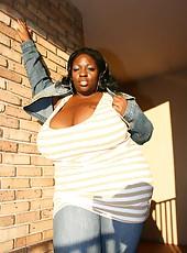 Massive boobs Simone outside flashing