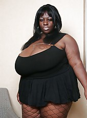 Simone Fox in sexy black lingerie