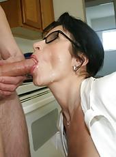 milf blowjob pictures