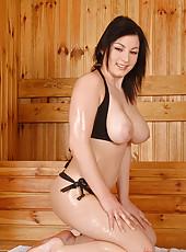 Tempting titties in the hot sauna