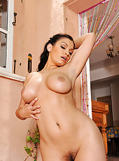 Busty Aria Giovanni cleaning naked