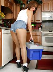 Big Booty Housewife