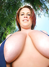 Super sexy big titty babe gets her real tits fucked hard in this 36dd outdoor fucking adventure