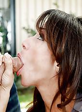 Ariella seduces her friend\