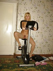 Sexy naked skanky amateur MILF