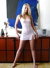 Amateur kinky housewife