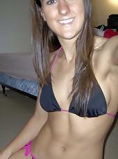 Amateur MILF in her sexy bikini