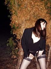 Amateur sleazy MILF posing outdoors
