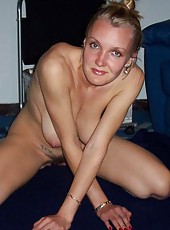 Kinky sexy amateur housewife in skanky poses