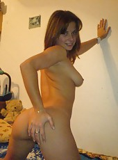 Hottie wife posing