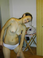Hot naked moms posing and showing off