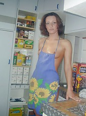 Naked housewife posing for hubby